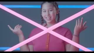 Смотреть клип Lyna Mahyem - Demain