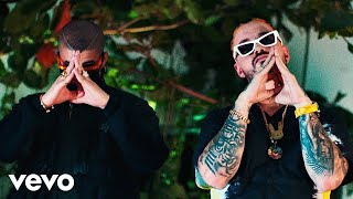 J. Balvin, Bad Bunny  QUE PRETENDES (Official Video)