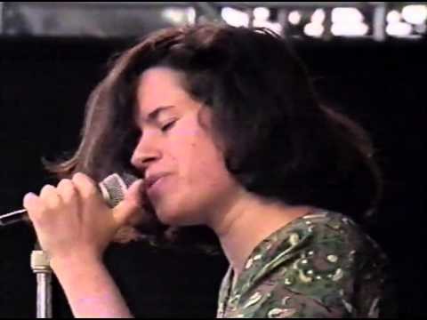 Natalie Merchant (10,000 Maniacs) - Interview (1988)