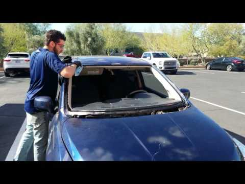 How to Replace a Windshield – 2006 Nissan Versa