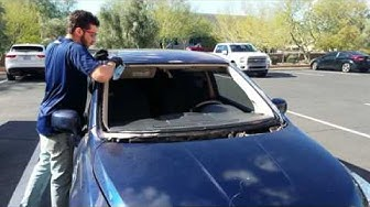How to Replace a Windshield - 2006 Nissan Versa