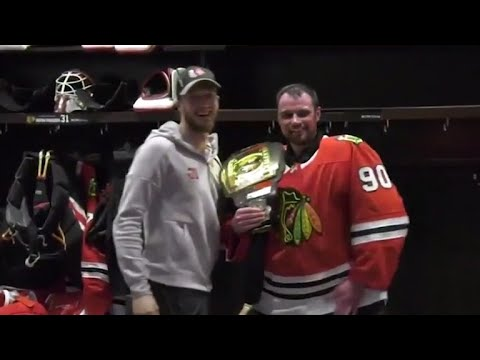 Scott Foster from accountant to emergency Chicago Blackhawks goalie