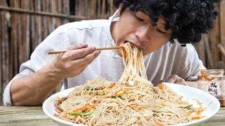 """【村意】炎炎夏日,吃上一盤""""廣東炒米粉"""",口感勁道,實在是太滿足了,給肉都不換!"""