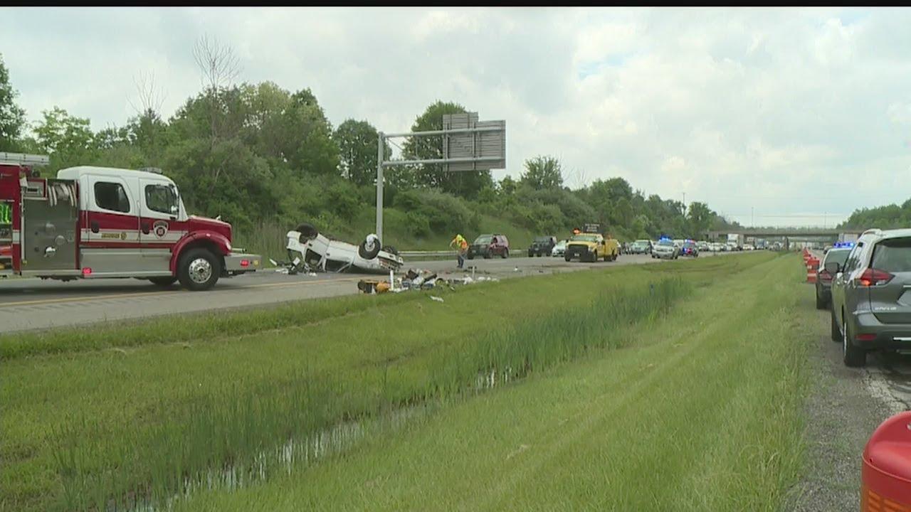 Accident blocking portion of Ohio Turnpike