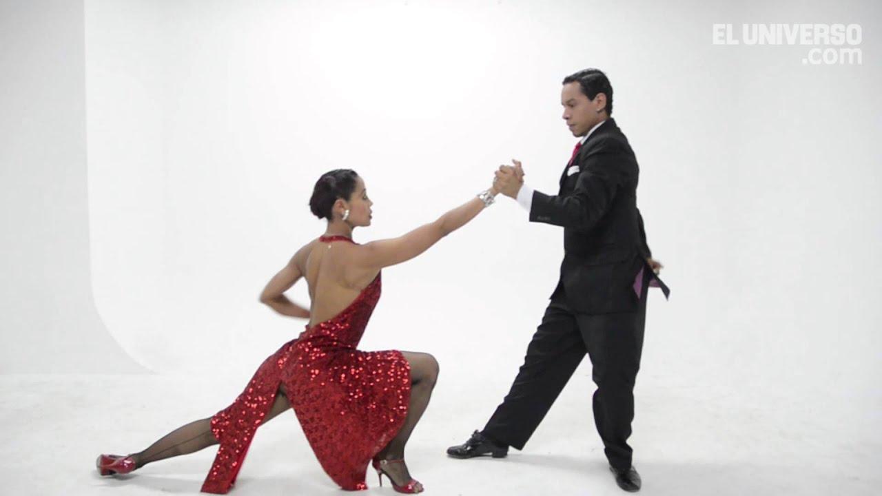 Bailarines De Tango En Presentación En El Teatro Sánchez