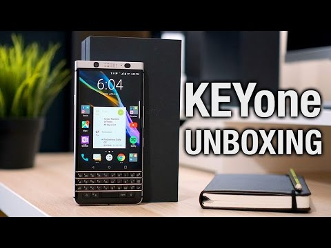 BlackBerry KEYone unboxing: it