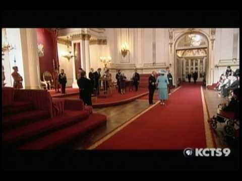 Queen Elizabeth investiture ceremony