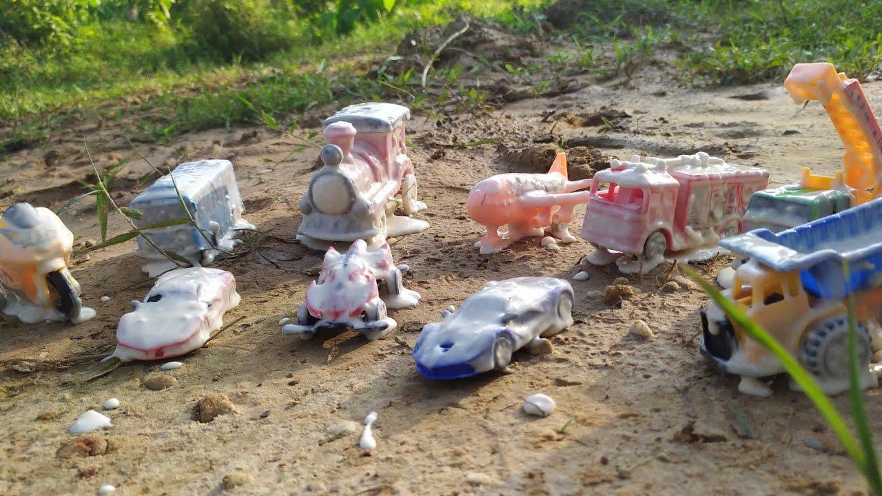 Download Membersihkan Mainan, Mobil Balap Ferari, Truck Tambang, Kereta Api Thomas, Mobil Pemadam Kebakaran