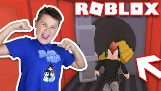 ROBBING A TRAIN FOR TONS OF CASH in ROBLOX JAILBREAK