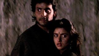 Himalaya and Bhagyashree fight with goons - Qaid Mein Hai Bulbul, Action Scene 11/13