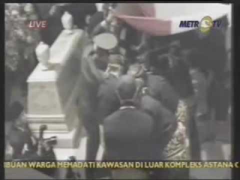 Pemakaman Presiden Suharto Penjahat RI 1