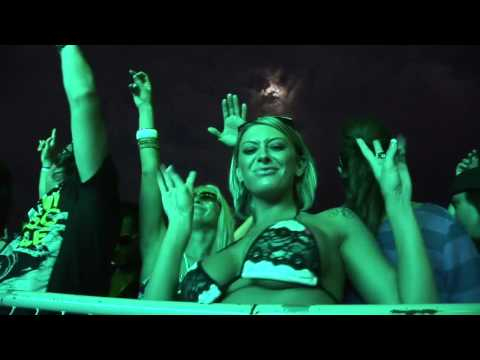 "Fedde Le Grand (LIVE) at Beatport WMC 2010  ""WE'RE ON TV BITCH"""