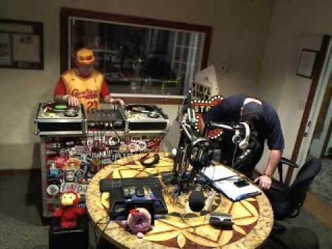 Strictly Vinyl Powerhouse 106.1 FM - Webcam S01E14