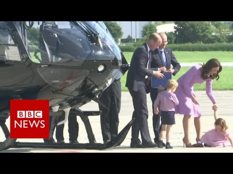 Princess pushes buttons on helicopter tour in Hamburg - BBC News