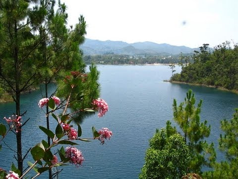 Lagunas de Montebello, Lago Tziscao, Chiapas by trucha 1.618