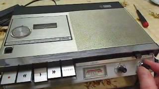 The Philips N2205 Cassette-recorder Built In 1968/1970.
