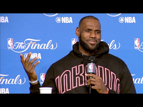 Should LeBron James have taken the shot or pass to Kyle Korver in Game 3 loss to Warriors