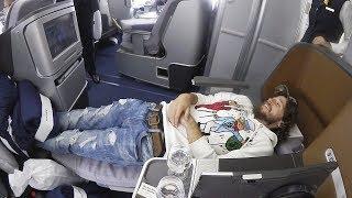VOLAR ACOSTADO ES MEJOR | Primera clase Lufthansa