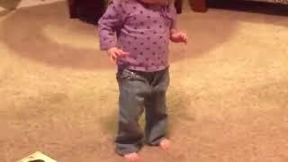 вот так надо танцевать ча-ча  учитесь. девочка молодец