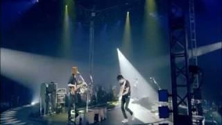 """CNBLUE - Love Revolution (yonghwa guitar """"Falcon"""")"""