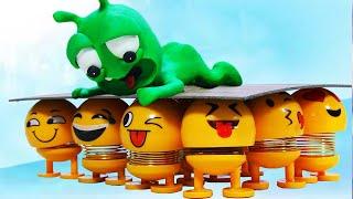 PEA PEA Meet Legion Emoji Shaking - Handmade Stop Motion | Green Alien