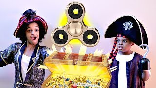 GOLDEN Fidget Spinner PIRATE TREASURE!! - Bad Baby Shiloh and Shasha - Onyx Kids