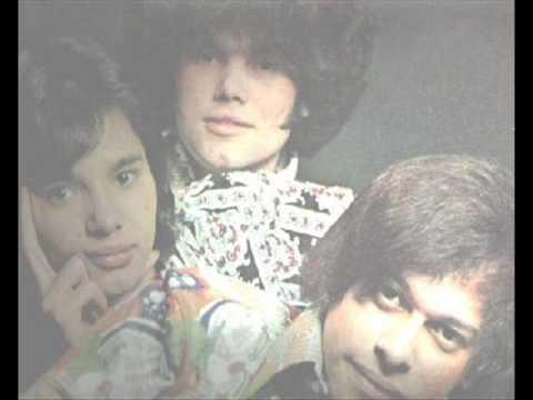 El Super Trio Arrastrando Las Cadenas