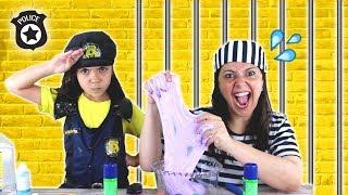 ANNY FINGE SER POLICIAL e prende a TRAPACEIRA / POLICIAL VS TRAPACEIRA