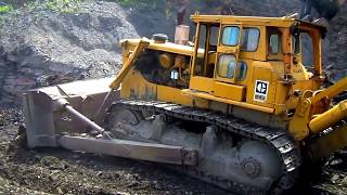 Caterpillar D9G Working with Caterpillar 245