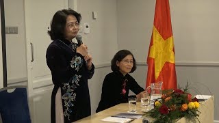Phó Chủ tịch nước Đặng Thị Ngọc Thịnh gặp mặt thân mật cộng đồng người Việt Nam tại Latvia