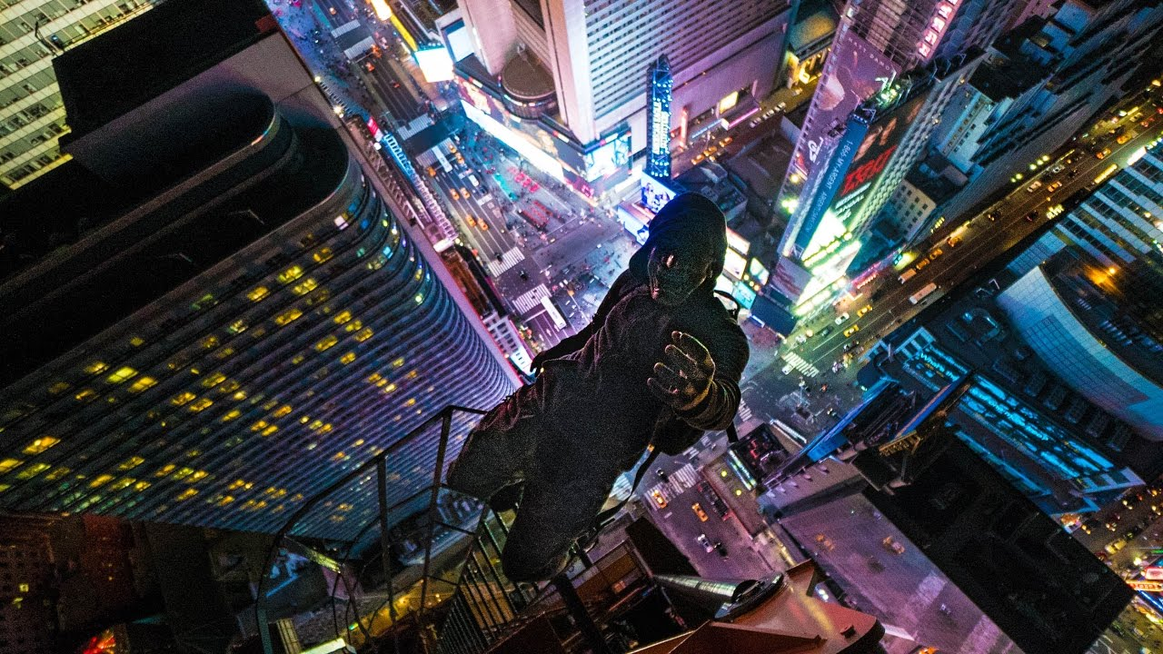 Crane Climb Over Times Square 250 Meters Above Nyc Youtube