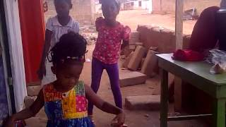 Girls dancing To Slim Busterr