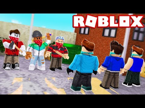 BLOODS vs CRIPS IN ROBLOX