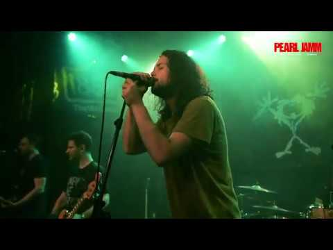 Pearl Jamm - European Live Debut of Dance of the Clairvoyants (PEARL JAM)