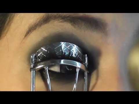 Taylor Momsen( Eye Make Up) Requested