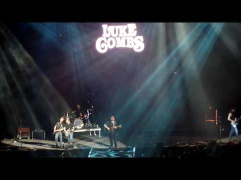Luke Combs LIVE Hurricane Duluth MN