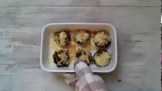 Шампиньоны с луком и сыром