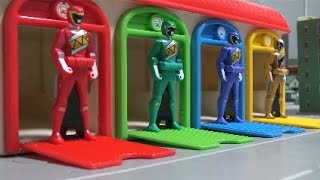 Learn Colors Power Rangers Dino Charge Toys  파워레인저 다이노포스 레인저키 장난감 영어 색깔놀이