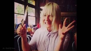 Sia - Straight for the Knife (Lyrics)