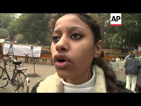 Lawyer says Indian bar association will not represent gang rape suspects; protest