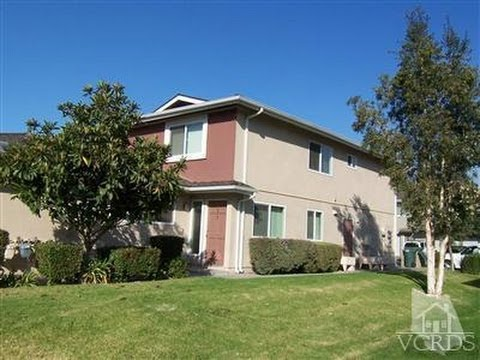 2-Story Townhome in Thousand Oaks