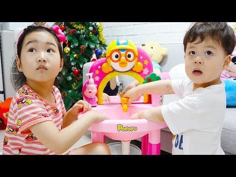 보람이의 뽀로로 세면대 장난감 동생 돌보기 Boram Taking Care Of Babies Care