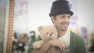Jason Mraz 2019 Build-A-Bear Hug AmBEARsador!