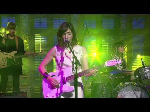 Sleater-Kinney  A New Wave - David Letterman  2015 01 15