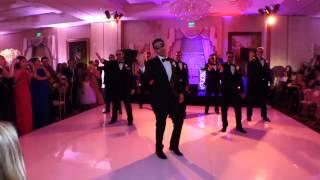 Танец-сюрприз от жениха и его друзей