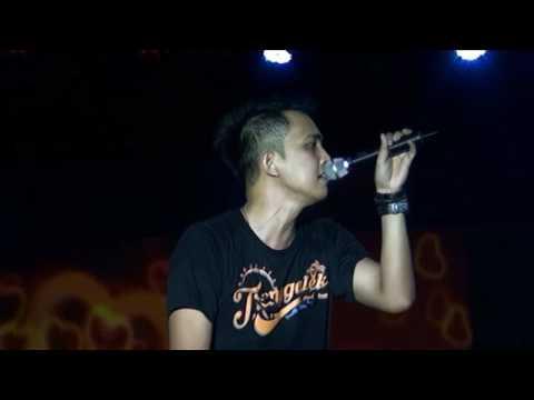 Lyla Band - Detik Terakhir (LIVE TRENGGALEK)
