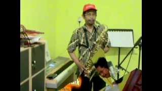 Download Kucari JalanTerbaik on Tenor Saxophone (Cover, Indonesian Song) Mp3