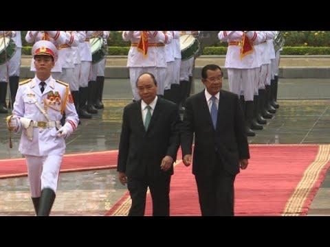Cambodian Prime Minister visits Vietnam