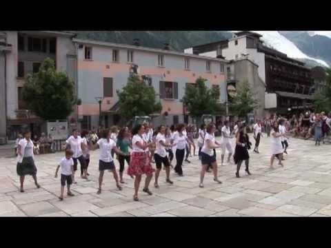 Flashmob centenaire de l 39 office de tourisme de chamonix youtube - Chamonix office de tourisme ...