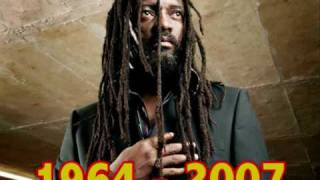 Lucky Dube - Born to Suffer